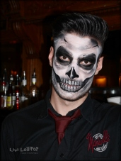 Skeleton Bartender